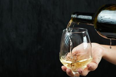 Copa con tipo de vino blanco
