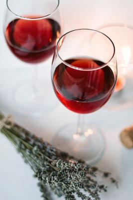 Dos copas con tipo de vino generoso o fortificado