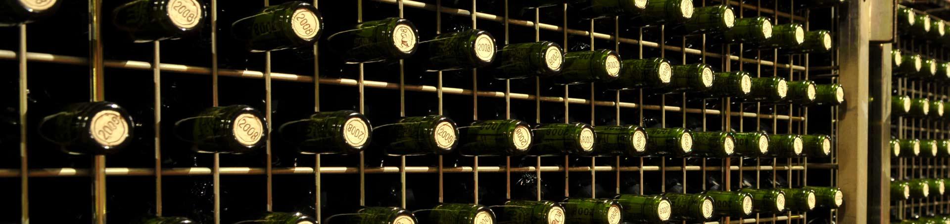 Botellas conservándose en casa en posición horizontal